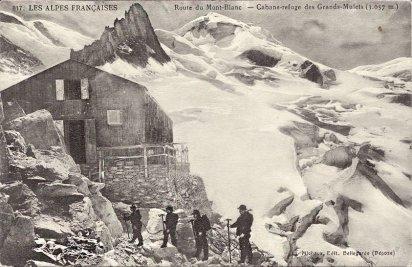 Le refuge des Grands Mulets sur la route historique du Mont Blanc.