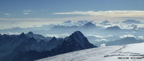 Dégradé de montagnes du sommet du Mont Blanc.