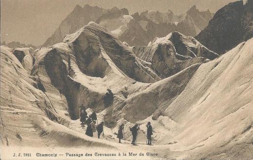 Passage des crevasses à la Mer de Glace
