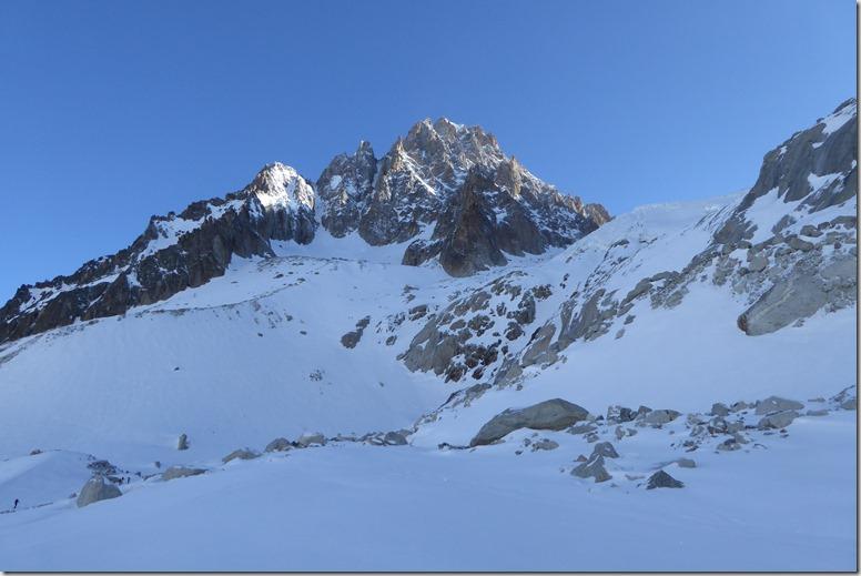 24 Sous le glacier du Chardonnet