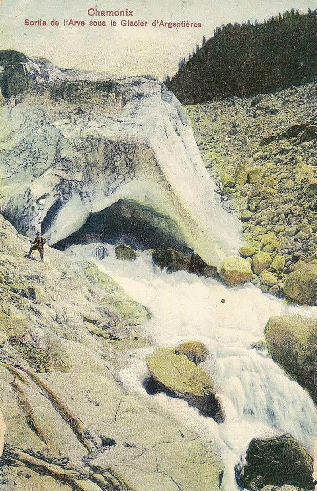 Sortie de l'Arve sous le Glacier d'Argentières