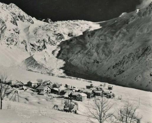 Village et glacier du Tour