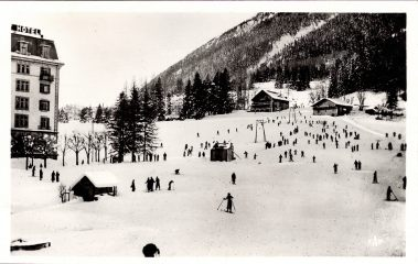 Ski dans le centre de Chamonix