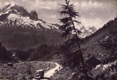 Sur la route du col des Montets