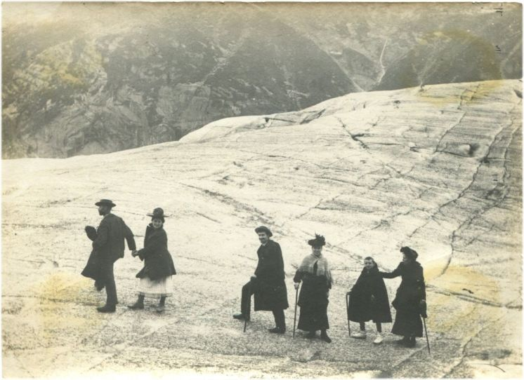 Famille sur la Mer de Glace