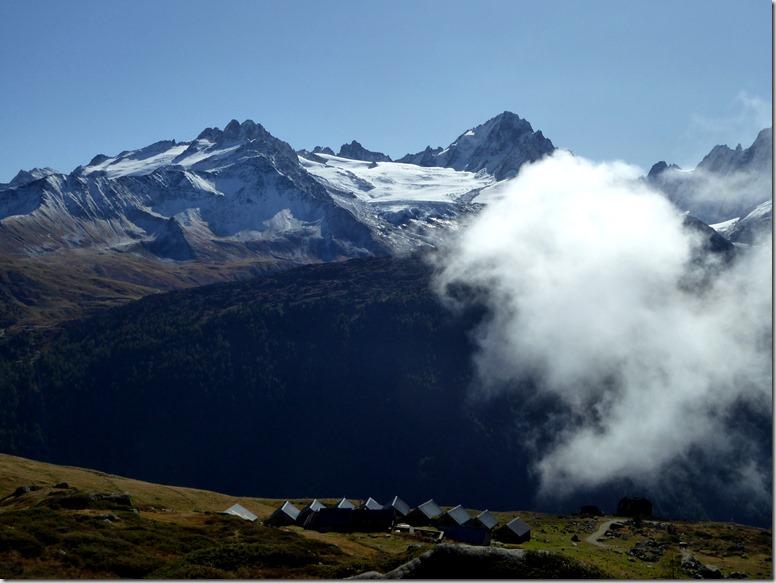 16 Chalets et glacier du Tour