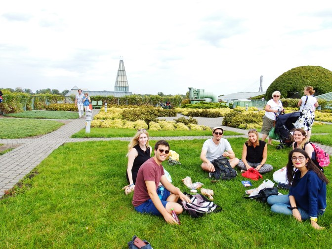 Picnic on the Warsaw University Library roof gardens