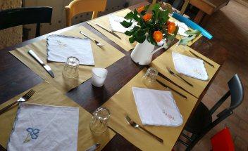 locanda-demetra-montalcino-cooking-school-table