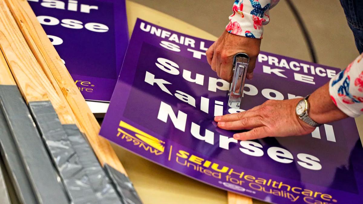 Logan health nurses union strike