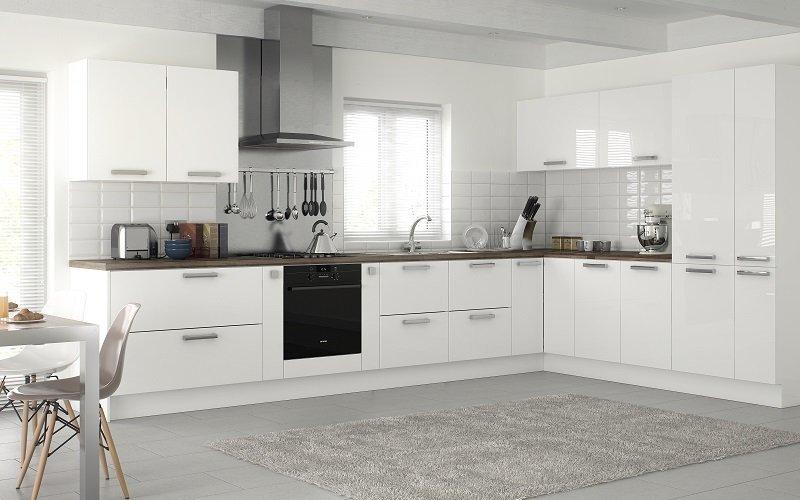 white gloss kitchen, mereway, lastra