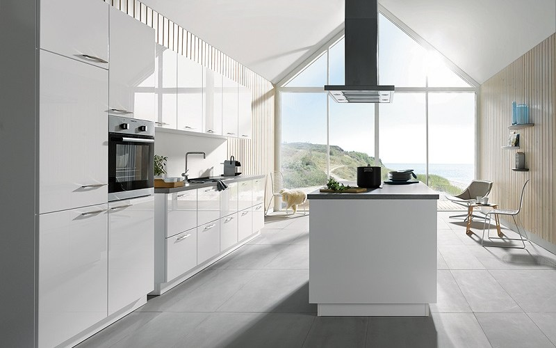 white gloss kitchen, schuller kitchens, gala style