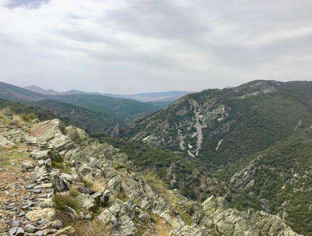 Cañón del Jarama hacia Colmenar de la Sierra visto desde el Cuchillar del Asomante.
