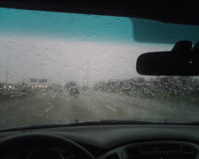 Polícia Militar dá dicas para evitar acidentes ao dirigir no período chuvoso