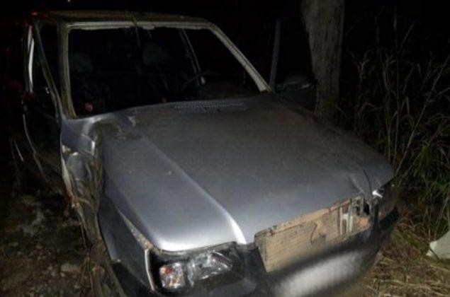LAGAMAR – Motorista embriagado dorme ao volante e bate veículo em árvore na MGC-354