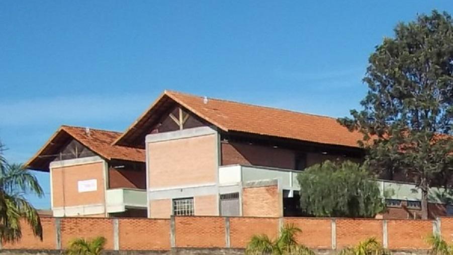 Escola Carolina Silva divulga calendário de distribuição do kit de alimentação