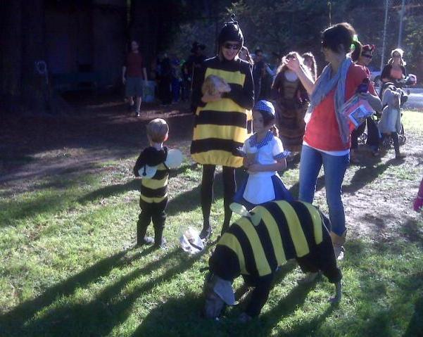 Halloween 2009 - Bee Family