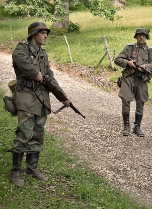 """diorama vivente """"fine settembre '44 arrivano i partigiani di Armando"""""""