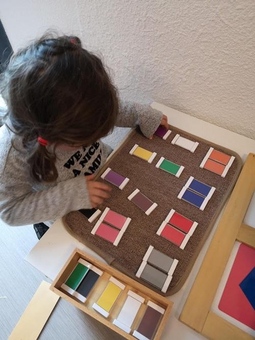 Deuxième boîte de couleurs Montessori