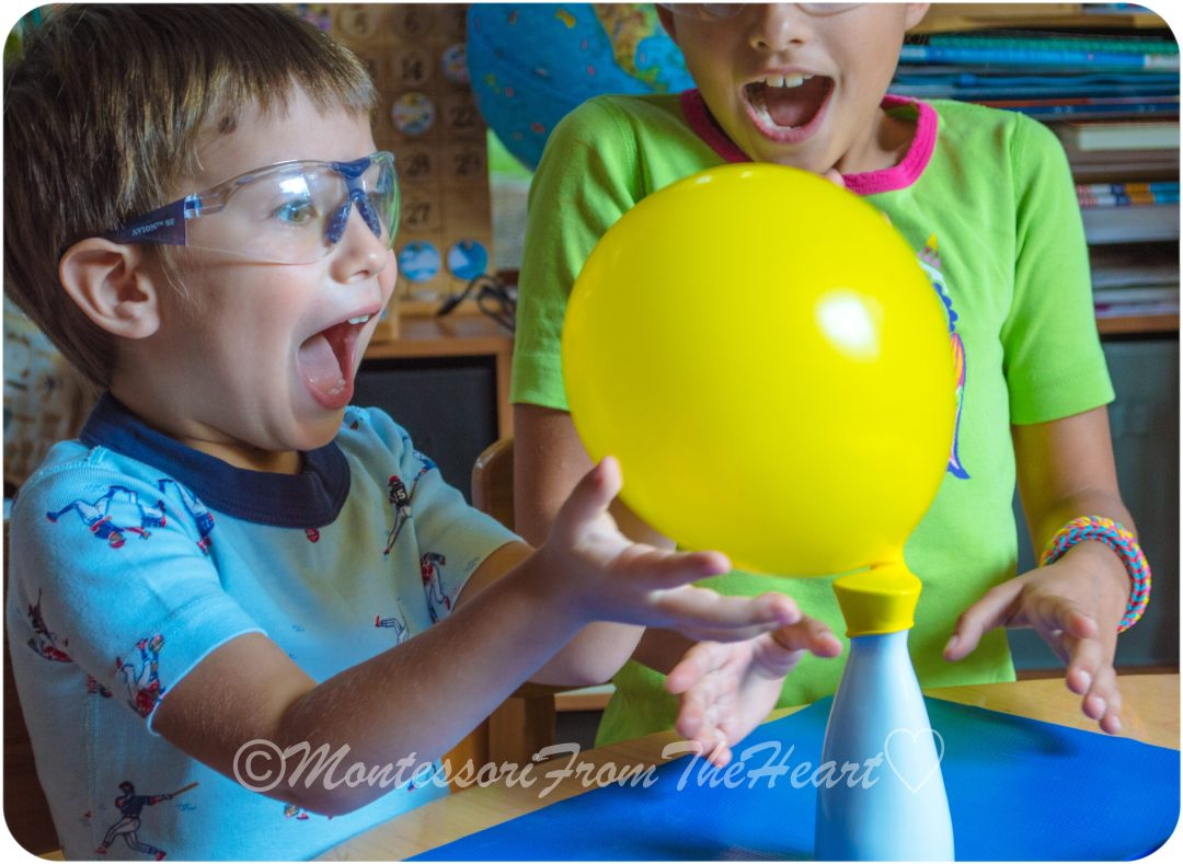 Balloon-Acid-Base-Baking Soda-Kids-Science-Experiment