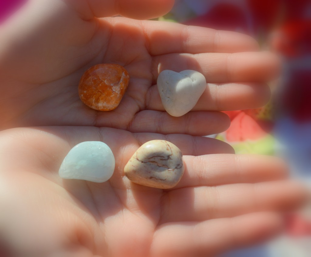 Mindful-stones-Meditation-with-kids