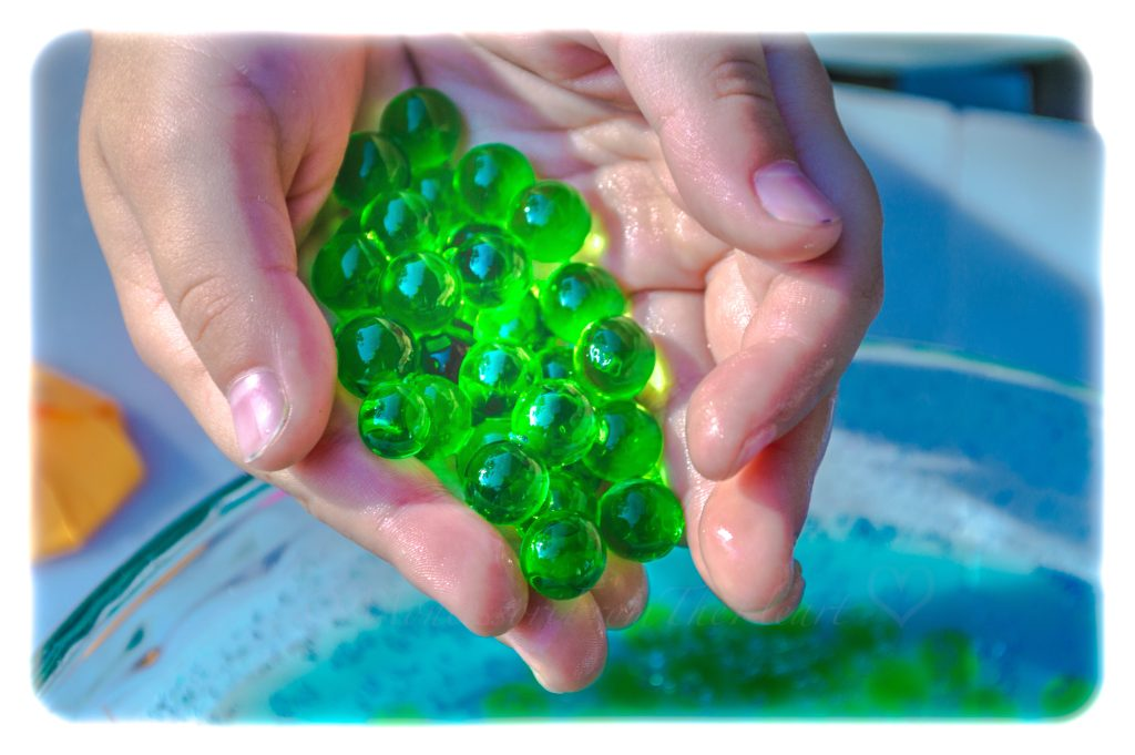 green-water-beads-sensory-play-kids-activity