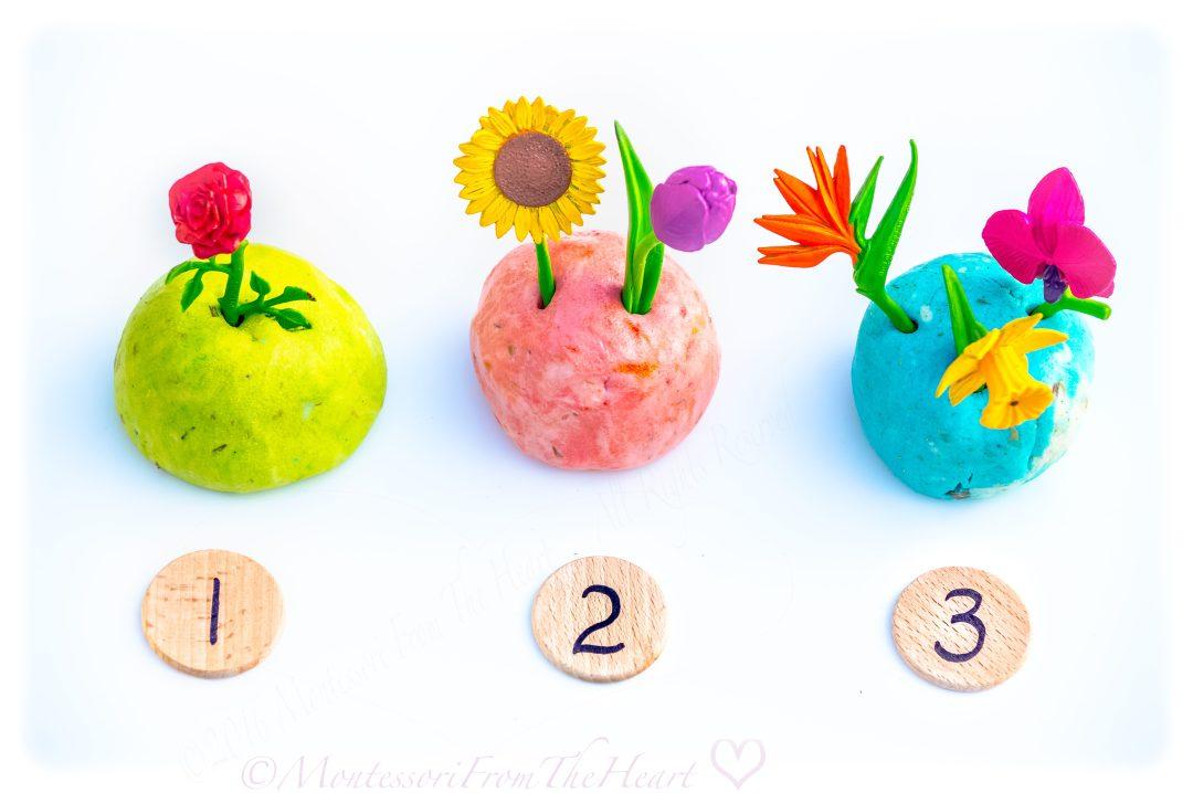 Play-Dough-SafariLtd-Flower-Poke