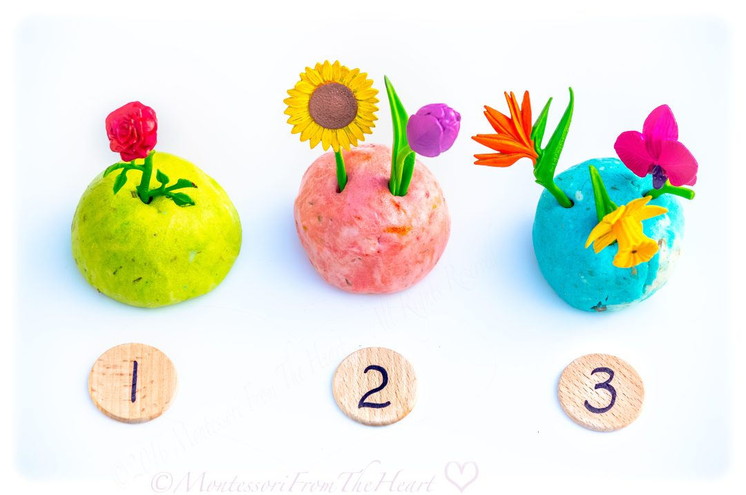 Play-Dough-SafariLtd-Flower-Poke