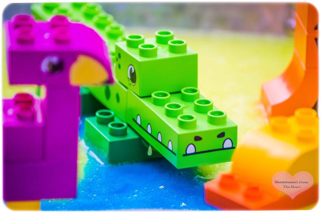 BiOBUDDi-Lagoon-Safair-LTD-Slime-Sensory-Tray-Alligator