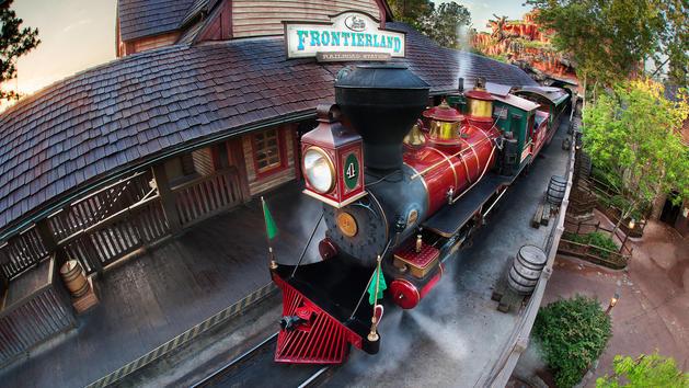 Walt-disney-world-railroad-fantasyland-00