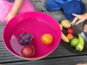 Montessori voda pokusy