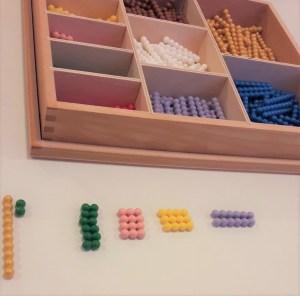 násobilka montessori farebné perly