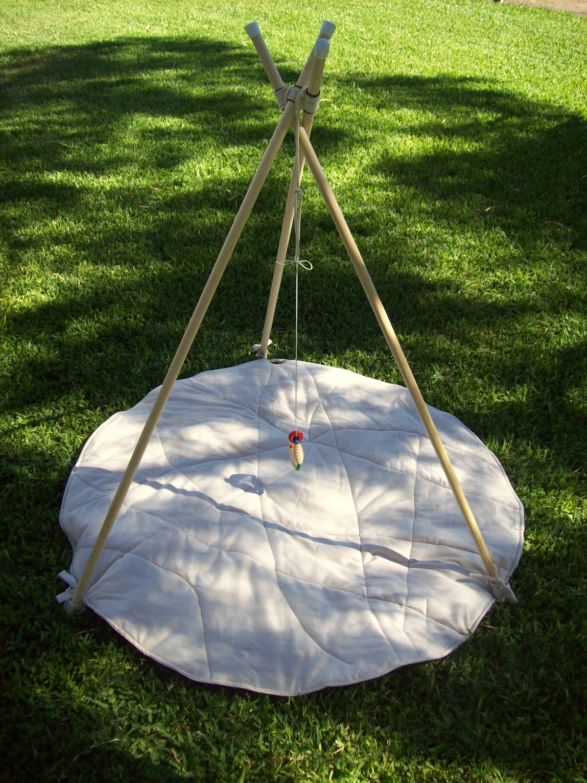 Comment Fabriquer Un Mobile En Bois une progression autour des mobiles chez le nouveau-né