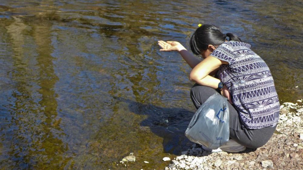 Jean explores along the water\'s edge.  DMC-LX7 f/2.2 1/400sec ISO-320 13.7mm
