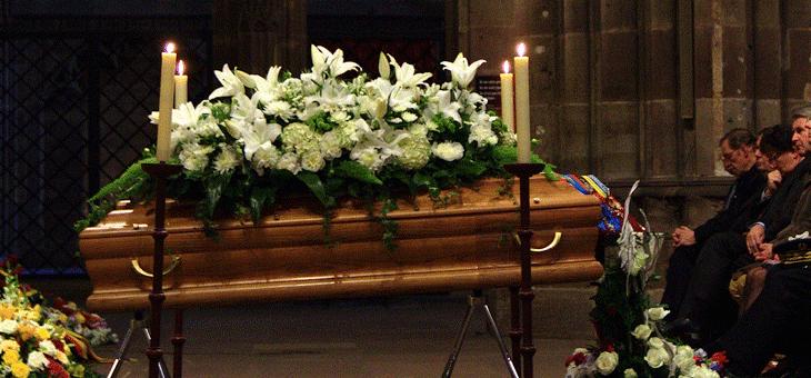 Cercueil lors des obsèques - © Claude Truong-Ngoc