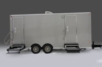 exterior-chalet-restroom-trailers