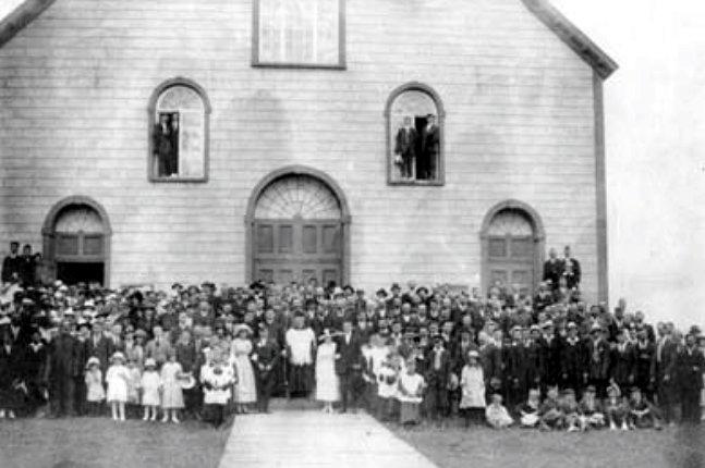 Mariage double célébré le 17 août 1919. Viateur Poudrier et Élisabeth Dupuis, Germain Grenier et Éva Blondin.