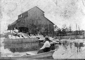 Nominingue: le moulin des Jésuites sur le lac Saint-Joseph