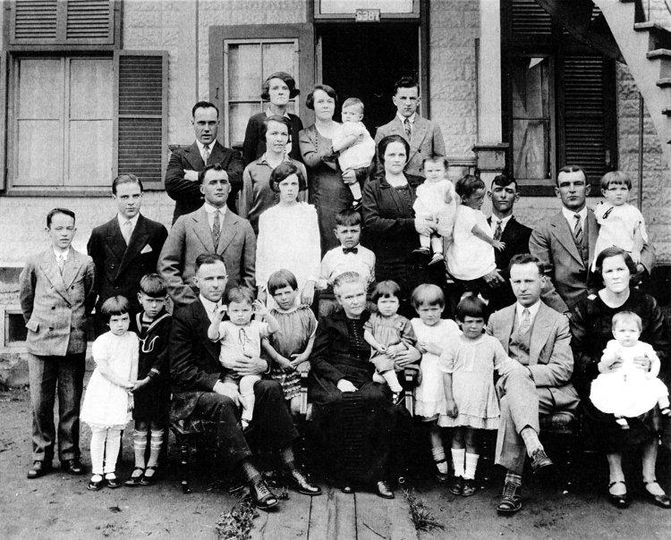 La famille de Xavier Bourgeois et d'Octavie Perreault, vers 1950