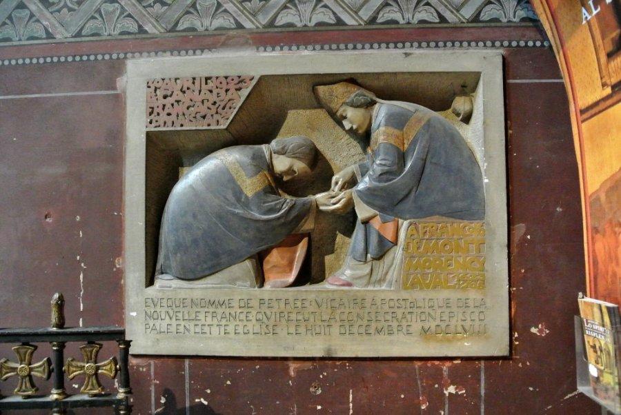 Plaque pour le premier évêque de Nouvelle-France, Mgr de Laval