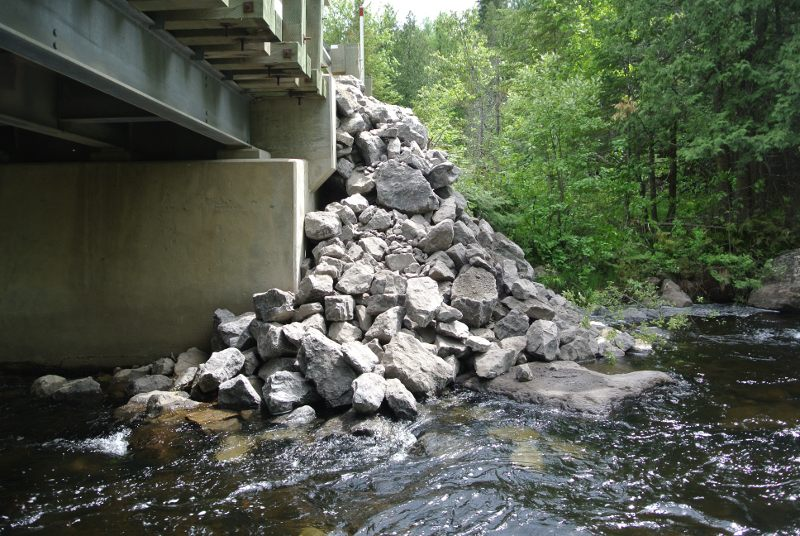 La rivière obstruée