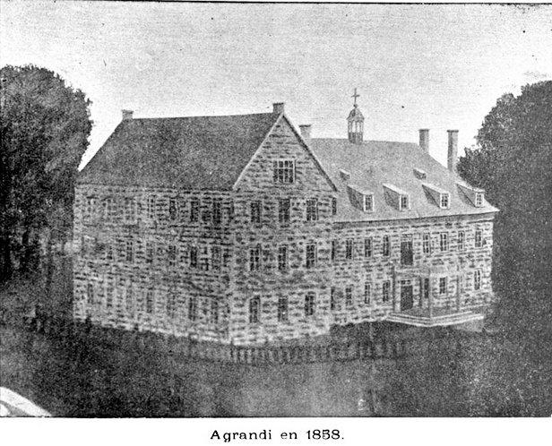 Agrandi en 1858