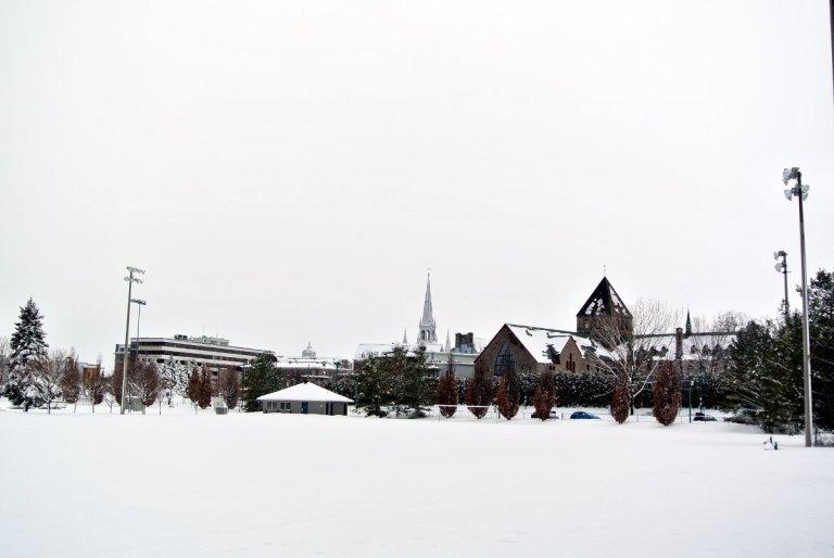 La cathédrale et le noviciat de Joliette
