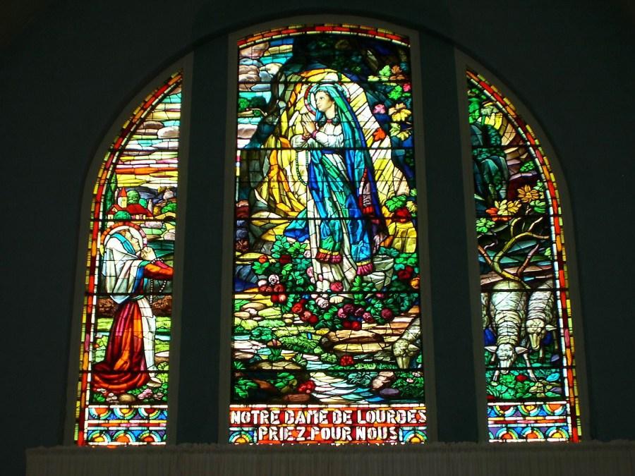 Vitrail disparu -N.-D. de Lourdes