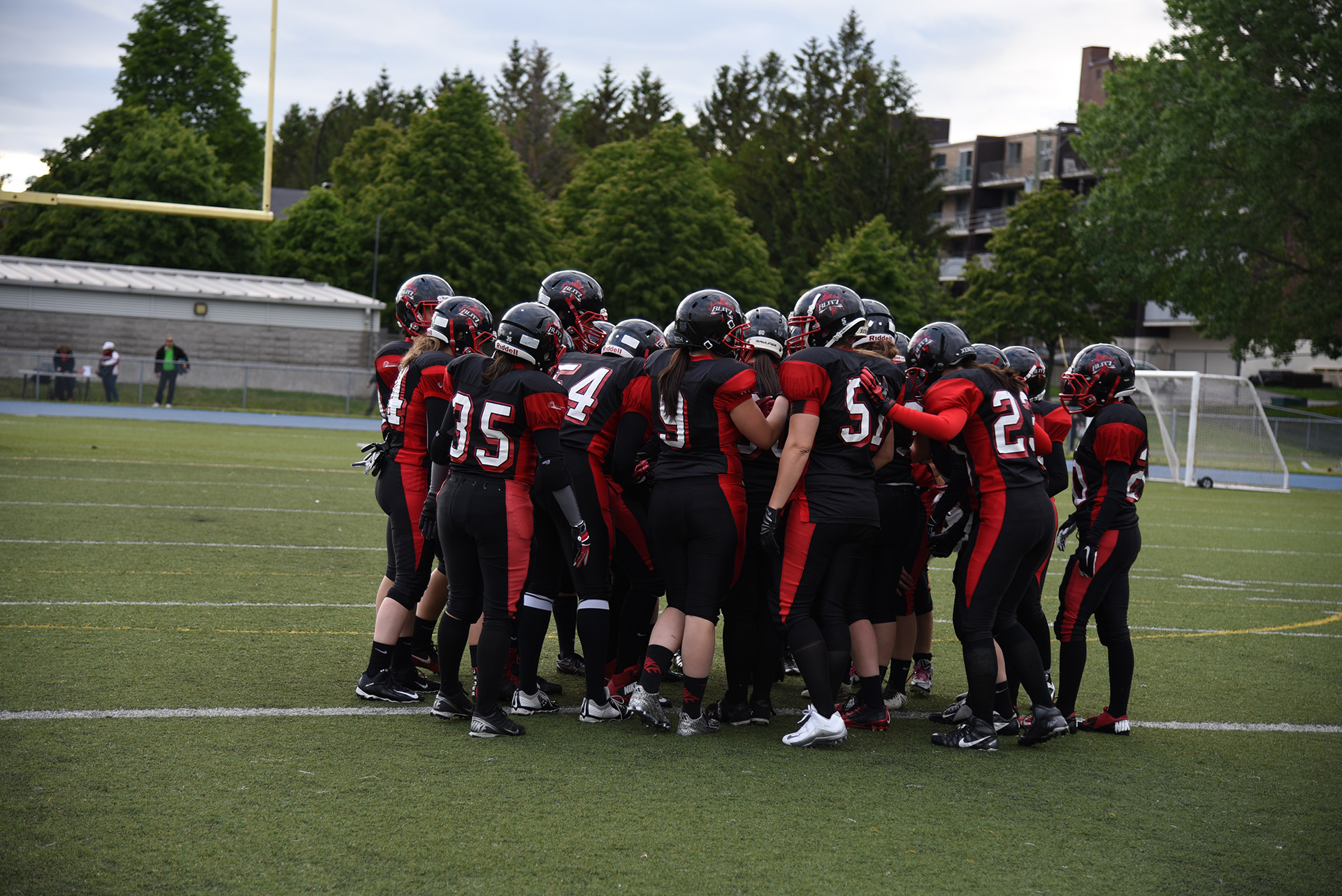 Montreal Blitz team huddle