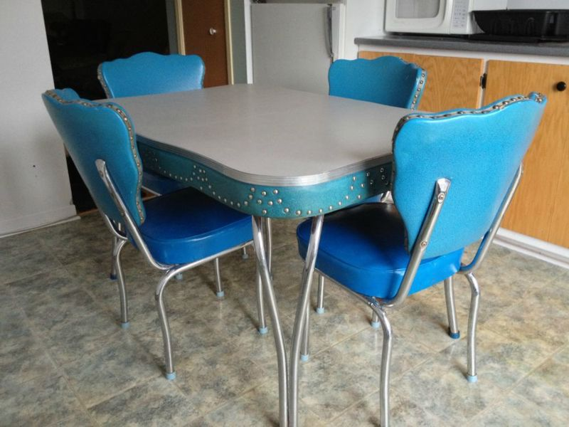Kitchen Chairs: Vintage Kitchen Table And Chairs