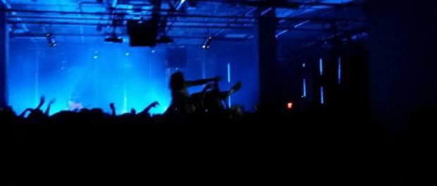 Mac DeMarco crowdsurfs. Photo Michele P. Robyn Homeniuk