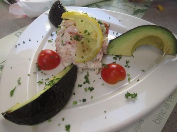 Avocado and Nordic Shrimp Salad. Jardin Nelson. Photo Esther Szeben.