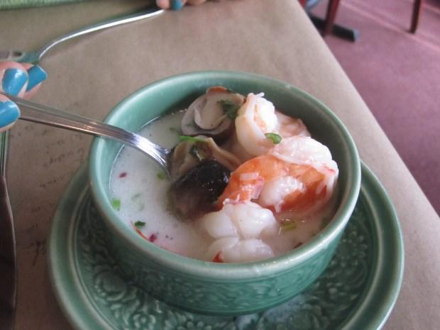 Soup. Restaurant Thailande. Photo Esther Szeben.