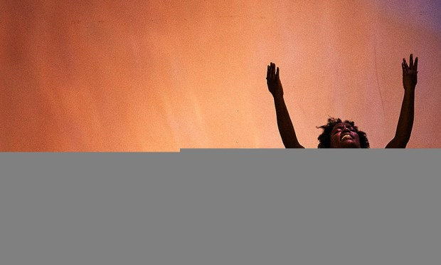 Dayane Ntibarikure in the Hysteria Triptych. Photo Louise Verdonne