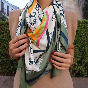 Pañuelo cuadrado tonos verdes